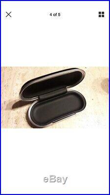 Bentley glasses case Piano Black