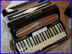 Black Ferrari Piano Accordion LM 41 120 beautiful condition, with locking case