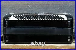 Empire The 600 120-Bass 41-Key 7-Treble Switch Black Piano Accordion withCase