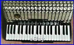 HOHNER Atlantic IV Deluxe piano accordion Black with a wrist switch and case
