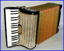 HOHNER CONCERTO II 72 bass Piano Accordion Akkordeon Fisarmonica very good 3