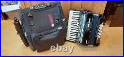 Hohner Bravo lll 72 bass piano accordion, black, new in 2013, as newithinc case