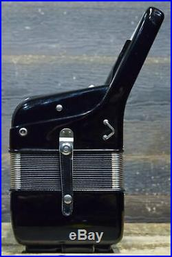 Hohner Verdi III N 120-Bass 41-Key 7-Treble Switch Black Piano Accordion withCase