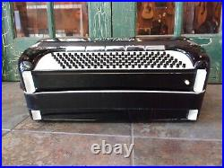Imperial Chicago Tonemaster Tone Chamber Full Sized Piano Accordion withCase Black