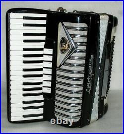 LArtigiana 96 BASS Piano Accordion Akkordeon Fisarmonica Very good