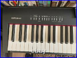 Roland Fp-30 Digital Piano (black) + Official Stand + Stagg Pedal + Travel Case