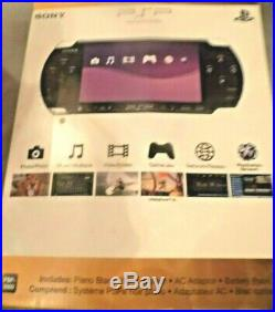 Sony PSP 3000 Handheld Piano Black 4GB Memory Card Charger 3 Games & 2 Cases
