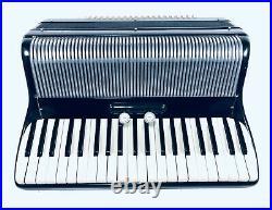 Vintage LA TOSCA Black Piano Accordion 41 Key 120 Bass with Case Made In Italy
