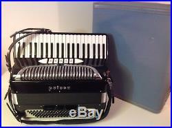 Vintage Rare 1959 Petosa piano Accordion Seattle Wa. Gloss black with case